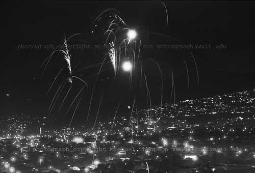 fireworksoverhonolulu.jpg