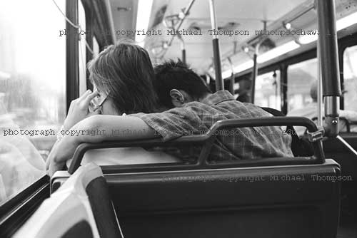 young-asian-couple-on-bus.jpg
